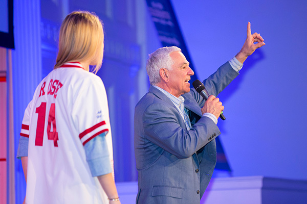 Bobby Valentine leading the live auction